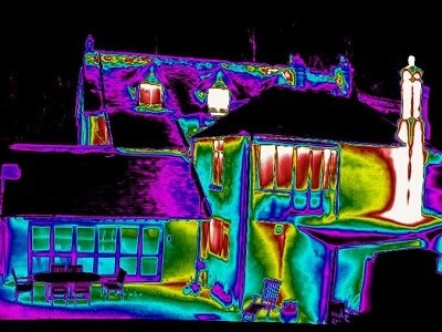 Thermogram of a large, traditionally built early Victorian house in Surrey.